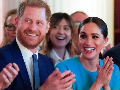Enrique de Inglaterra y Meghan Markle, en una entrega de premios en Londres en marzo de 2020.