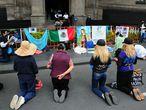 CIUDAD DE MÉXICO, 06SEPTIEMBRE2021.- Un grupo de manifestantes provida protestaron afuera de la Suprema Corte de Justicia de la Nación (SCJN) debido a que dentro de las instalaciones se discutía sobre la despenalización del aborto, los ministros de la Corte acordaron terminar la discusión el día de mañana en una nueva sesión. FOTO: DANIEL AUGUSTO /CUARTOSCURO.COM