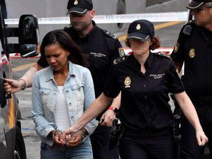 Tras introducir el cuerpo del niño en el maletero, la acusada dijo  ahora a llevárselo de aquí , según las grabaciones de la Guardia Civil