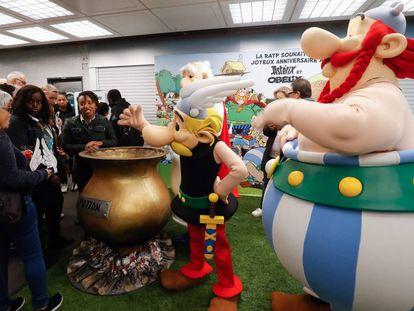 Un acto conmemorativo por el 60 cumpleaños de Astérix en el metro de París, el pasado 9 de octubre.