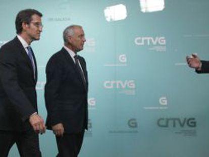 Feijóo y Pachi Vázquez, antes de entrar al plató de TVG para el último debate electoral, en octubre pasado.