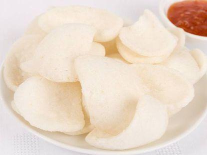 Pan de gambas y salsa agridulce.