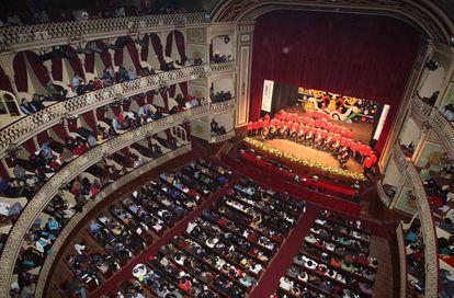 Interior del Gran Teatro Falla de Cádiz durante el Concurso de Agrupaciones del Carnaval en el Teatro Falla, en una imagen de archivo.