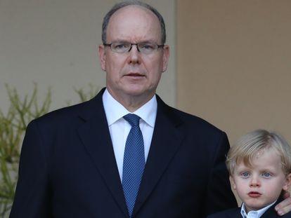 Alberto de Mónaco, con su hijo.