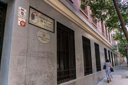 Entrada del colegio de Chamberí de los Maristas, en la calle Rafael Calvo de Madrid.