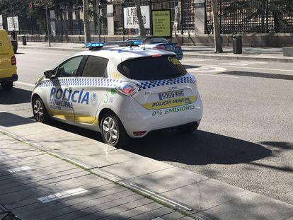 Un coche patrulla de la Policía Municipal de Madrid, en una imagen de archivo.