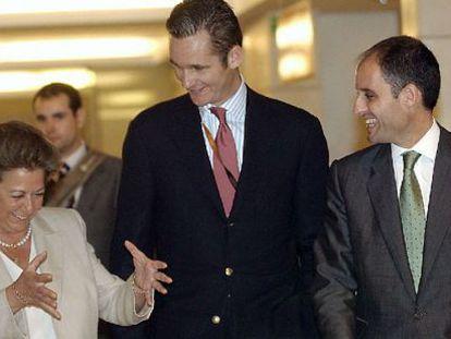 Rita barberá, Iñaki Urdangarin y Francisco Camps, en un encuentro celebrado en Valencia.