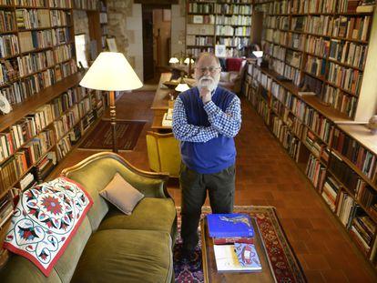 El escritor argentino Alberto Manguel el 29 de abril de 2013 en Mondion, Francia, donde tuvo instalada su biblioteca.