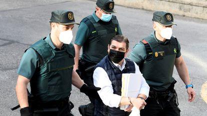 César Román, conocido como 'El rey del Cachopo', a su llegada a la Audiencia Provincial de Madrid el pasado 1 de junio.