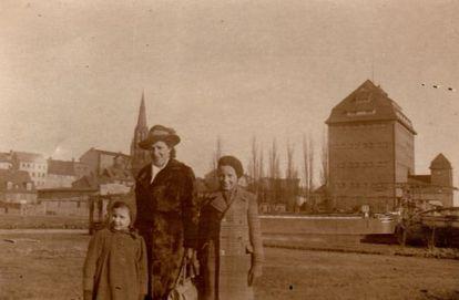 Bärbel Schreiner, con su madre y su hermano en Demmin en 1944.