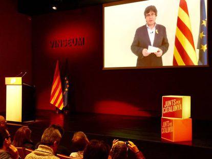 Carles Puigdemont, por videoconferencia, al final de la reunión de trabajo que candidatos y diputados de Junts per Catalunya, el sábado.