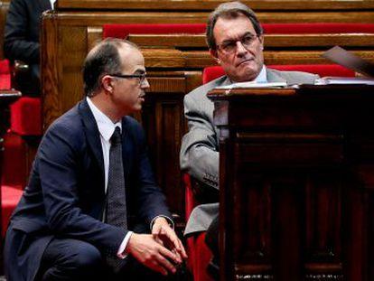 Jordi Turull conversando con el presidente catalán, Artur Mas.