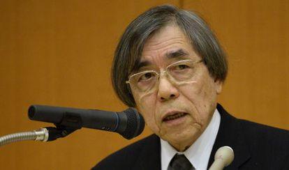 El director del Centro de Desarrollo Biológico del Instituto Riken, Masatoshi Takeichi, explica las medidas por el fraude científico.