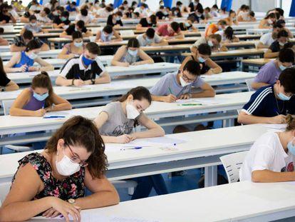Prueba de acceso a la Universidad en el campus de la Pablo de Olavide de Sevilla.EUROPA PRESS