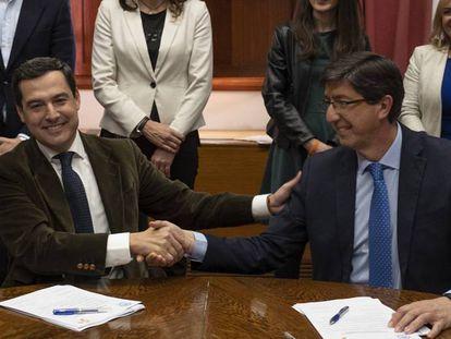El presidente de la Junta de Andalucía, Juan Manuel Moreno, y el vicepresidente, Juan Marín.