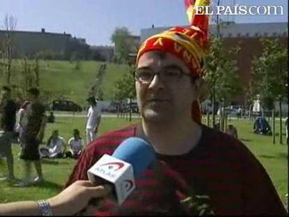 Este domingo ha tenido lugar el acto central de homenaje a las Fuerzas Armadas. El homenaje a la Bandera y a los Caídos ha dado por concluido un fin de semana en el que toda la ciudad de Santander se ha volcado con el Ejército. Miles de personas se han sumado a las celebraciones.