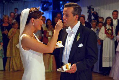 Marta Luisa y Ari Behn, el día de su boda, celebrada en Trondheim, Noruega, el 24 de mayo de 2002.