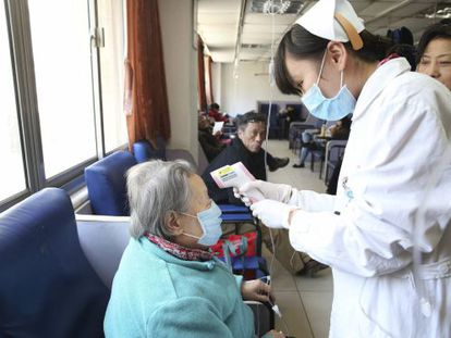 Las autoridades chinas han detectado 21 infectados, seis de ellos han fallecido. / Ray Young (Efe)