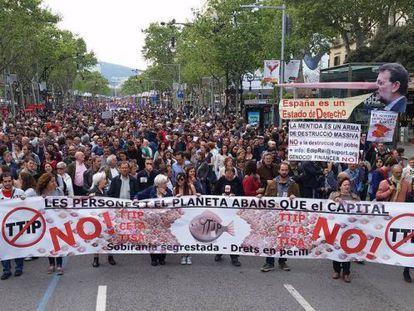 Manifestación en Barcelona contra el Tratado de Comercio e Inversiones UE-EEUU.