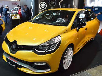Un coche Renault en el salón del automóvil de Tokio, el 15 de enero de 2016.