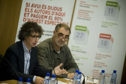 Eduard Iniesta y Pere Tantiñá, representantes de la SGAE en Cataluña, durante el acto.