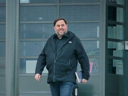 El exvicepresidente de la Generalitat Oriol Junqueras, condenado a 13 años de cárcel por sedición, en una imagen del pasado 3 de marzo, en su primera salida de prisión para ejercer de docente en la Universidad de Vic.