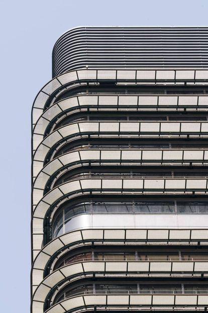 Detalle de la fachada de la Torre Banco de Bilbao. |