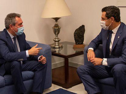 Juan Espadas (izquierda), reunido con el presidente andaluz, Juan Manuel Moreno, el pasado junio en Sevilla.
