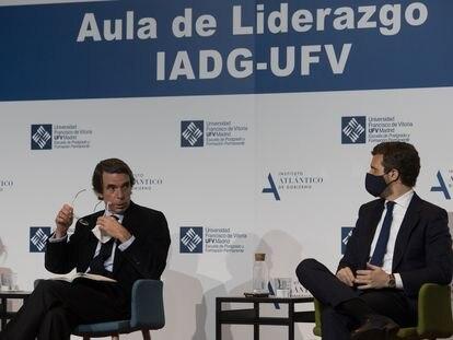 José María Aznar y Pablo Casado, en el auditorio de la Universidad Francisco de Vitoria, en Madrid.