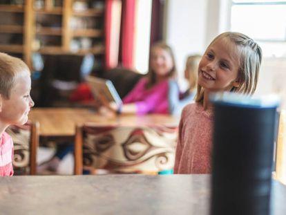 ¿Por qué los niños no se fían de los asistentes virtuales?