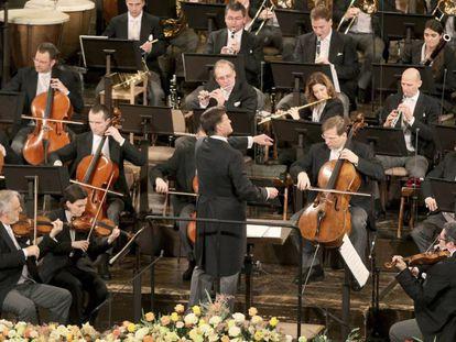 Christian Thielemann al frente de la Filarmónica de Viena durante el Concierto de Año Nuevo.