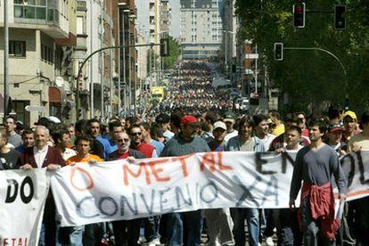 Trabajadores del metal de la provincia de Pontevedra se manifiestan en Vigo en 2019 para demandar al firma del convenio del sector.