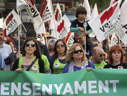 Manifestación en defensa de la enseñanza pública valenciana.