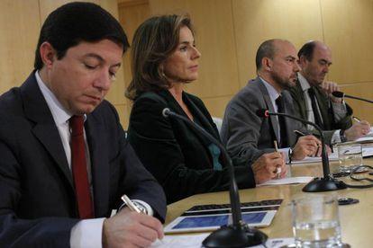 El edil Pedro Calvo; la alcaldesa, Ana Botella; el vicealcalde, Miguel Ángel Villanueva, y el delegado de Seguridad, Antonio de Guindos.