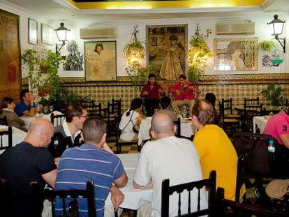 Actuación del cantaor Joaquín de Sola, el pasado viernes, en la cena flamenca de la Venta de Vargas.