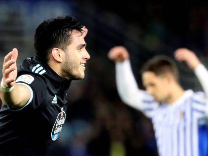 Maxi Gómez celebra el segundo gol del Celta en Anoeta.