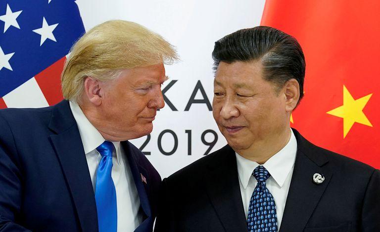 El presidente de EE UU, Donald Trump, junto al presidente de China, Xi Jinping, en junio de 2019 durante el G20 en Japón.