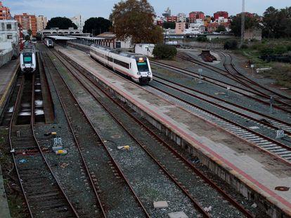 Trenes en la estación de Algeciras (Cádiz).