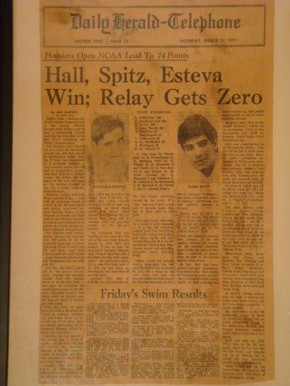 Portada del Daily-Herald Telephone del 27 de marzo de 1971, con fotos de Santiago Esteva y Mark Spitz.