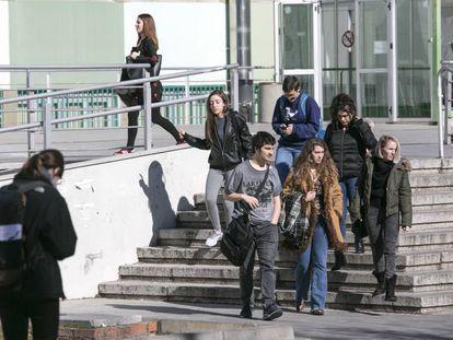 Alumnos universitarios en una de las facultades de la Universidad Autónoma de Madrid.