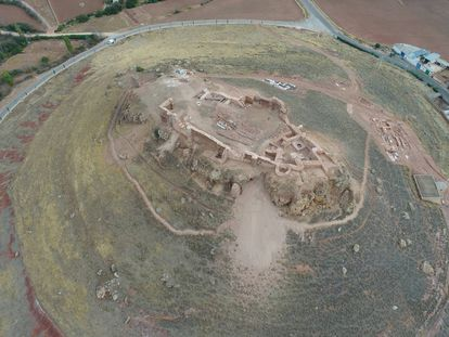 Vista aérea del castillo de la Estrella, en Montiel.