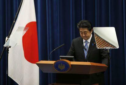 El primer ministro, Shinzo Abe, en la rueda de prensa en la que ha anunciado la disolución del parlamento.