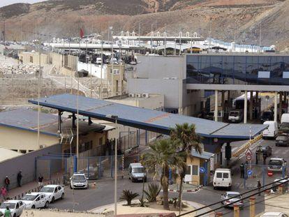 Vista de la frontera del Tarajal, que separa Ceuta de Marruecos. EFE/Archivo