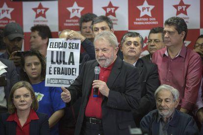 El expresidente Luiz Inácio Lula da Silva en una rueda de prensa este jueves en São Paulo.