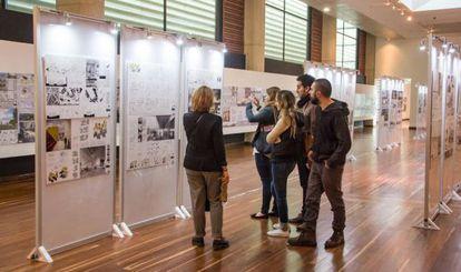 Exposición de propuestas del diseño del Museo Nacional de la Memoria.