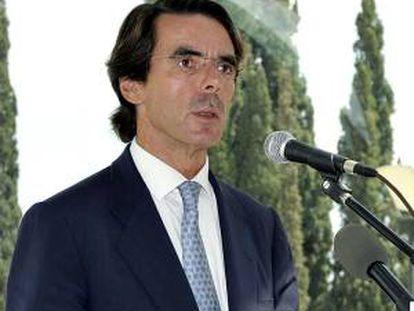En la imagen un registro del  expresidente del Gobierno español José María Aznar (1996-2004), quien llegó a Uruguay para dar una conferencia acerca de retos económicos de Europa. EFE/Archivo
