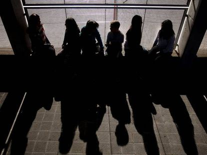 Imagen de archivo de un grupo de alumnos en un programa contra el acoso escolar.