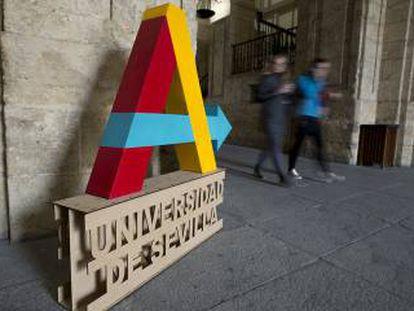 La Universidad afronta la salida del 50% de sus catedráticos en siete años