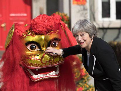 Theresa May, durante su reciente visita a China.