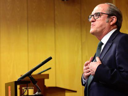 El portavoz del PSOE en la Asamblea de Madrid, Ángel Gabilondo, en la rueda de prensa tras registrar la moción de censura, el miércoles.
